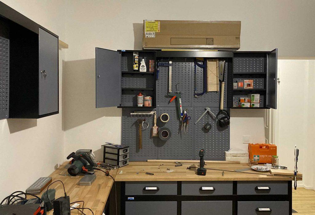 Das Bild zeigt die Räume der Repair- und Upcycling-Werkstatt